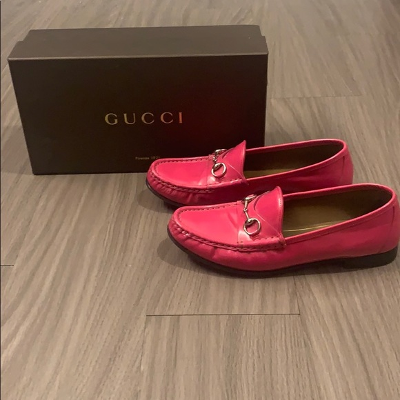 gucci hot pink loafers